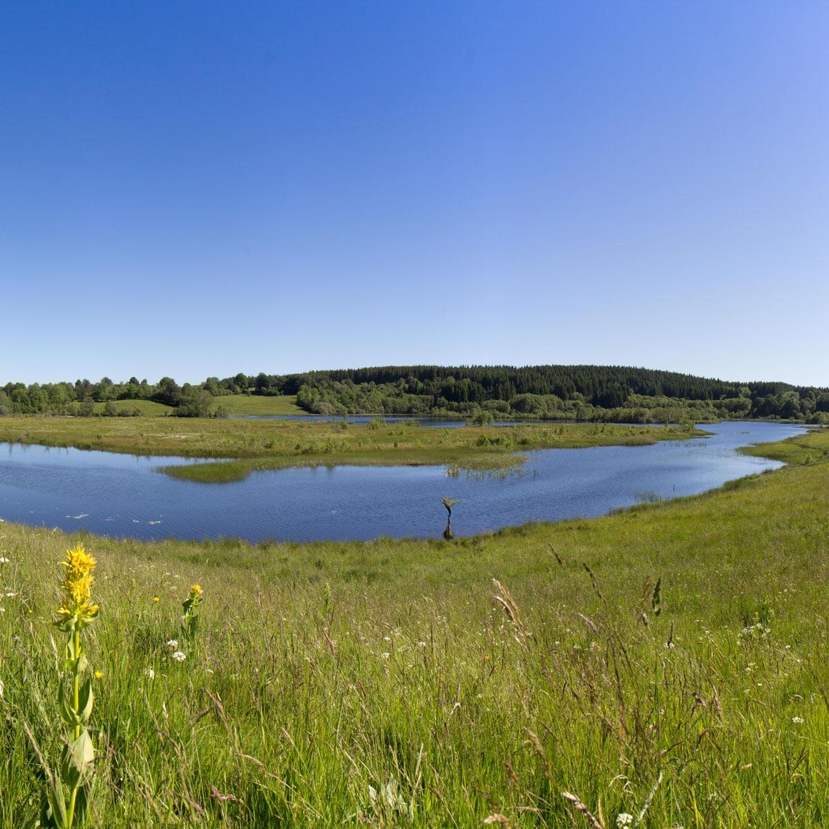 Egliseneuve d'Entraigues, le Lac de l'Esclauze